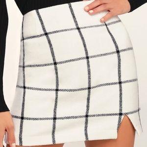 NWT LULUS Spence White plaid mini skirt Size small